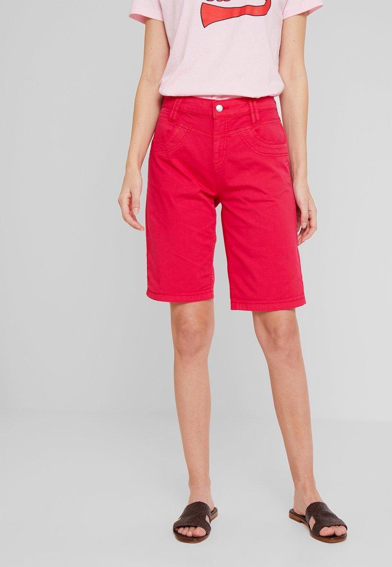 s.Oliver - KURZ - Shorts - dark pink