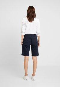 s.Oliver - KURZ - Shorts - navy - 2