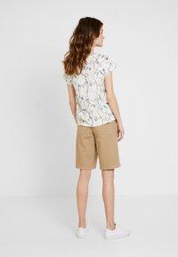 s.Oliver - Shorts - sand - 2