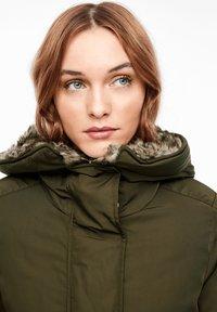 s.Oliver - MIT PLÜSCH-DETAILS - Winter coat - olive - 3