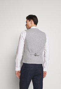 s.Oliver - Gilet elegante - grey melange - 2