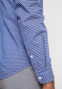 s.Oliver - SLIM FIT  - Skjorta - brillant blue - 3