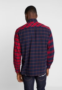 s.Oliver - REGULAR FIT  - Skjorta - red/blue - 2
