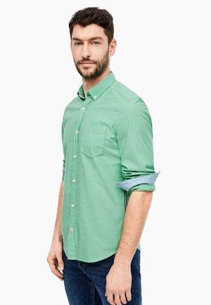 MIT TAPE-STREIFEN - Camicia - green