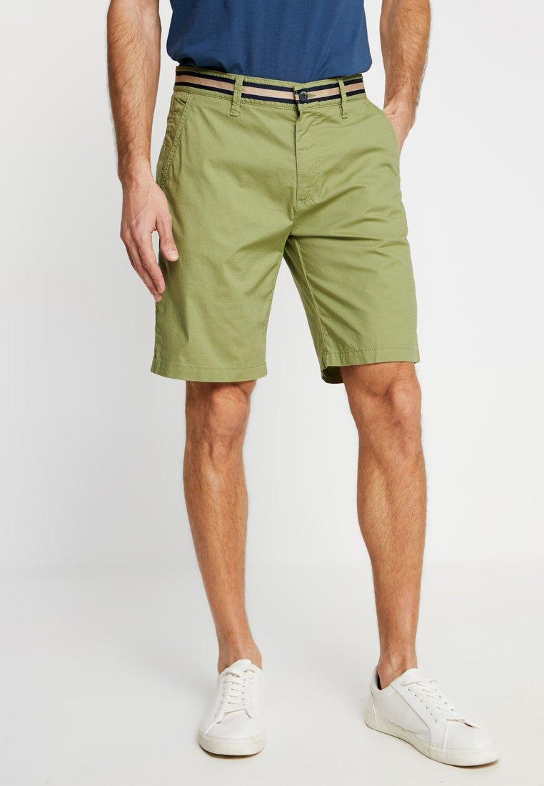 s.Oliver - Shorts - spring leaf