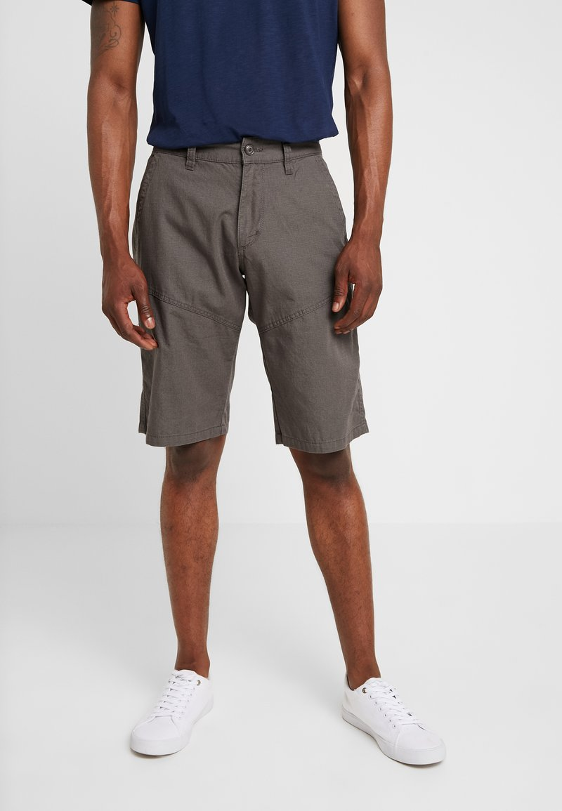 s.Oliver - RELAXED - Shorts - grey whale