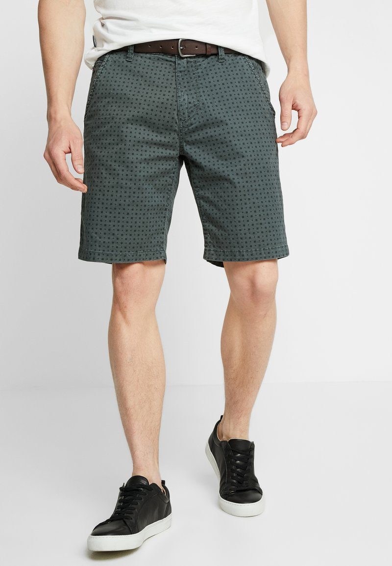 s.Oliver - Shorts - metal green
