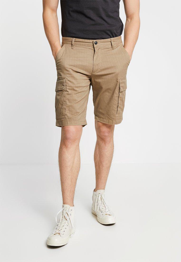 s.Oliver - LOOSE - Shorts - olive