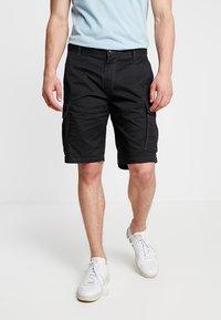s.Oliver - LOOSE - Shorts - grey/black - 0