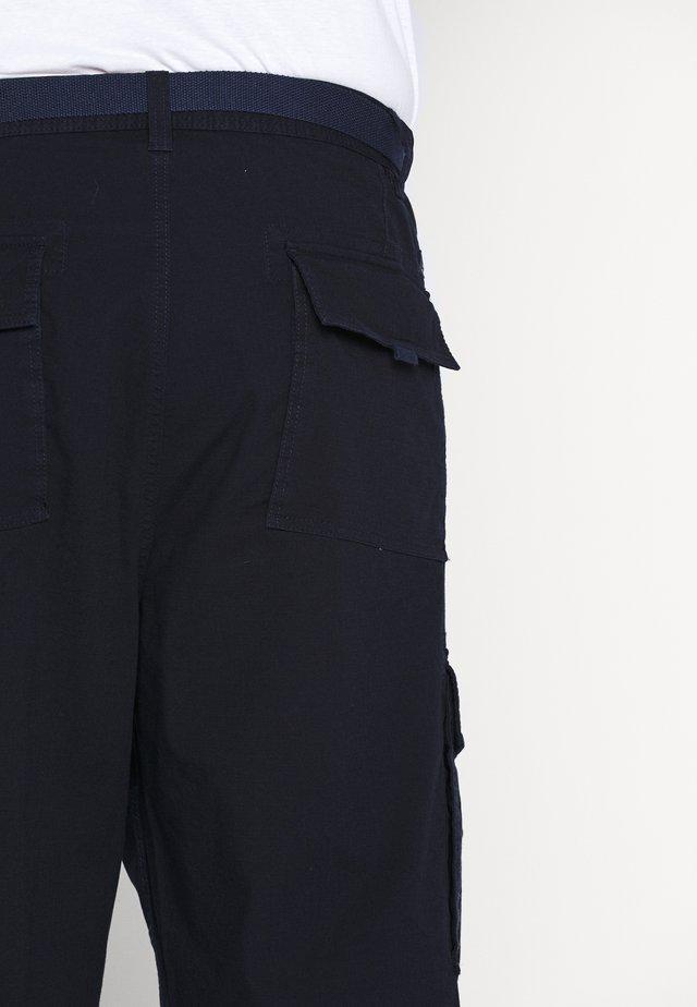 BERMUDA - Shorts - geishas ni