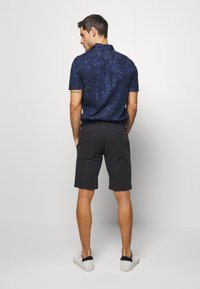 s.Oliver - Shorts - charcoal - 2