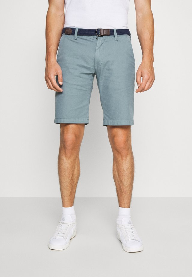 BERMUDA WITH BELT - Shortsit - light blue