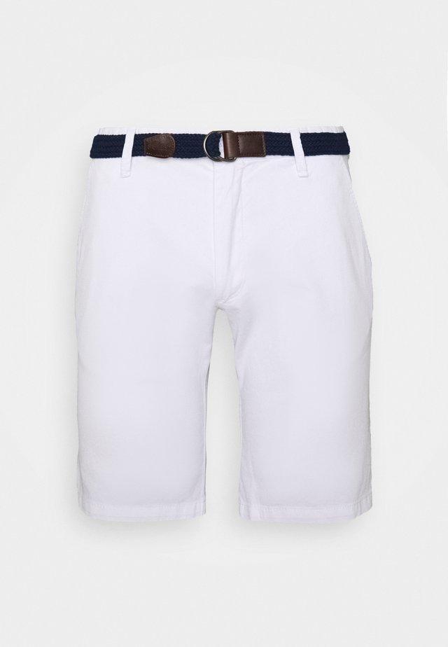 BERMUDA WITH BELT - Shorts - white