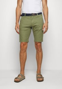 s.Oliver - BERMUDA WITH BELT - Shorts - army green - 0