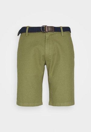 BERMUDA WITH BELT - Shorts - army green