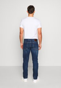 s.Oliver - HOSE LANG - Slim fit jeans - blue denim - 2
