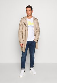 s.Oliver - HOSE LANG - Slim fit jeans - blue denim - 1