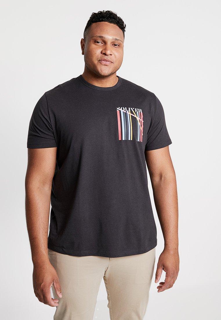 s.Oliver - KURZARM - T-shirt med print - charcoal
