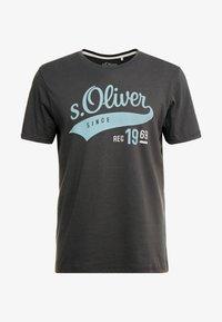 s.Oliver - KURZARM - T-shirt con stampa - ebony - 3