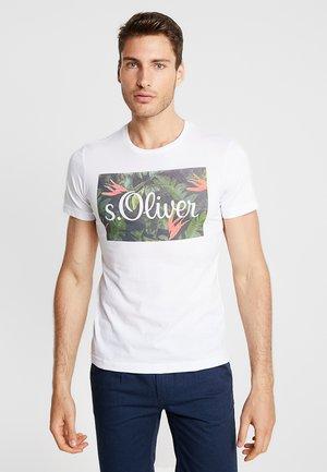 KURZARM - Camiseta estampada - white