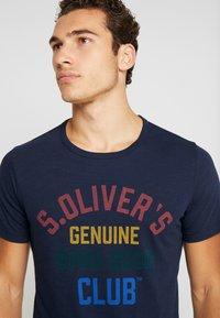 s.Oliver - KURZARM - T-shirt z nadrukiem - fresh ink - 3