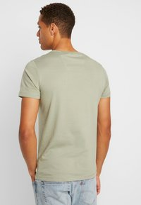 s.Oliver - KURZARM - T-shirt con stampa - stone green - 3