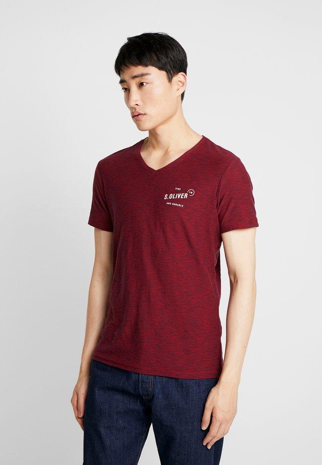 T-shirt print - poppy seed