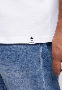 s.Oliver - Camiseta estampada - white - 5