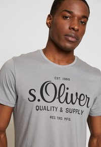 s.Oliver - T-shirt print - ice grey - 4