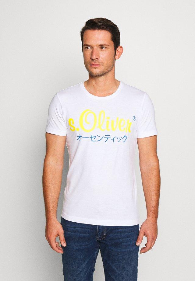 T-shirt z nadrukiem - white