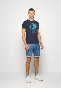 s.Oliver - T-shirt print - moon rock - 1