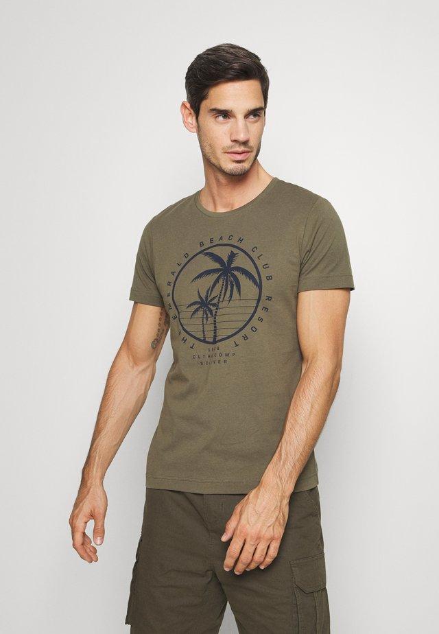 T-shirt print - misty oliv