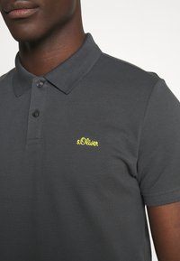 s.Oliver - Polo shirt - volcano - 5