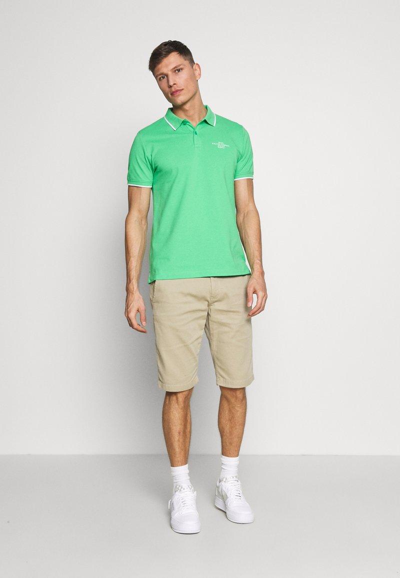 s.Oliver T-SHIRT KURZARM - Poloskjorter - green
