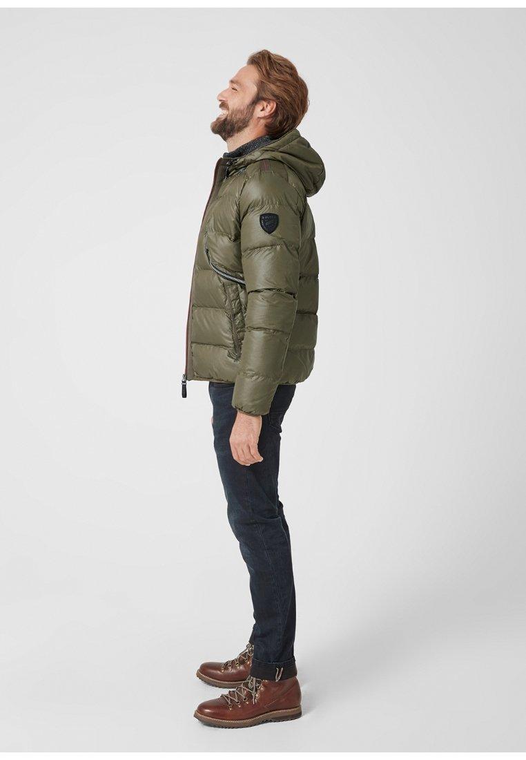 s.Oliver - MIT STRUKTUR - Winter jacket - green