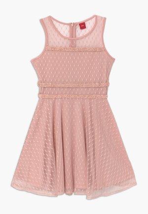 Koktejlové šaty/ šaty na párty - light pink