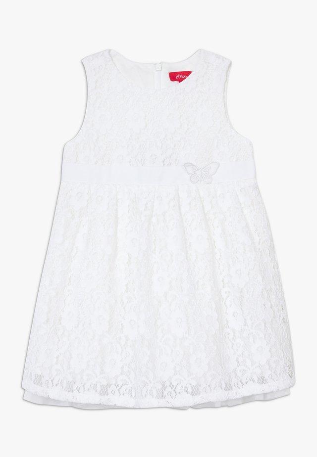 KURZ - Korte jurk - white