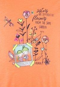 s.Oliver - KURZARM - T-shirt imprimé - orange - 2