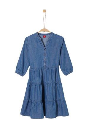 LIGHT DENIM-KLEID MIT STUFENROCK - Denim dress - blue