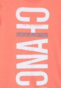 s.Oliver - KURZARM - Print T-shirt - orange - 3