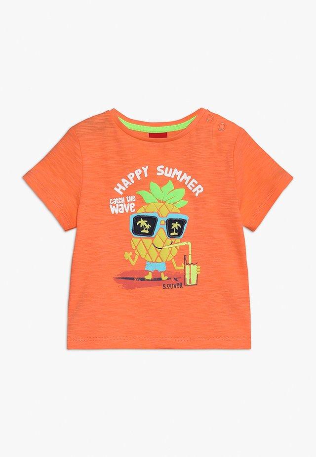 T-shirt print - light orange