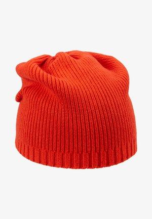 Bonnet - red