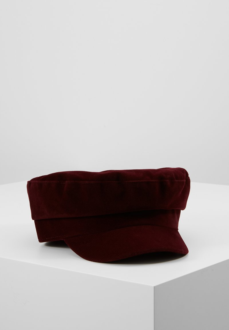 s.Oliver - Bonnet - dark red