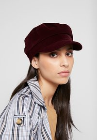 s.Oliver - Bonnet - dark red - 1