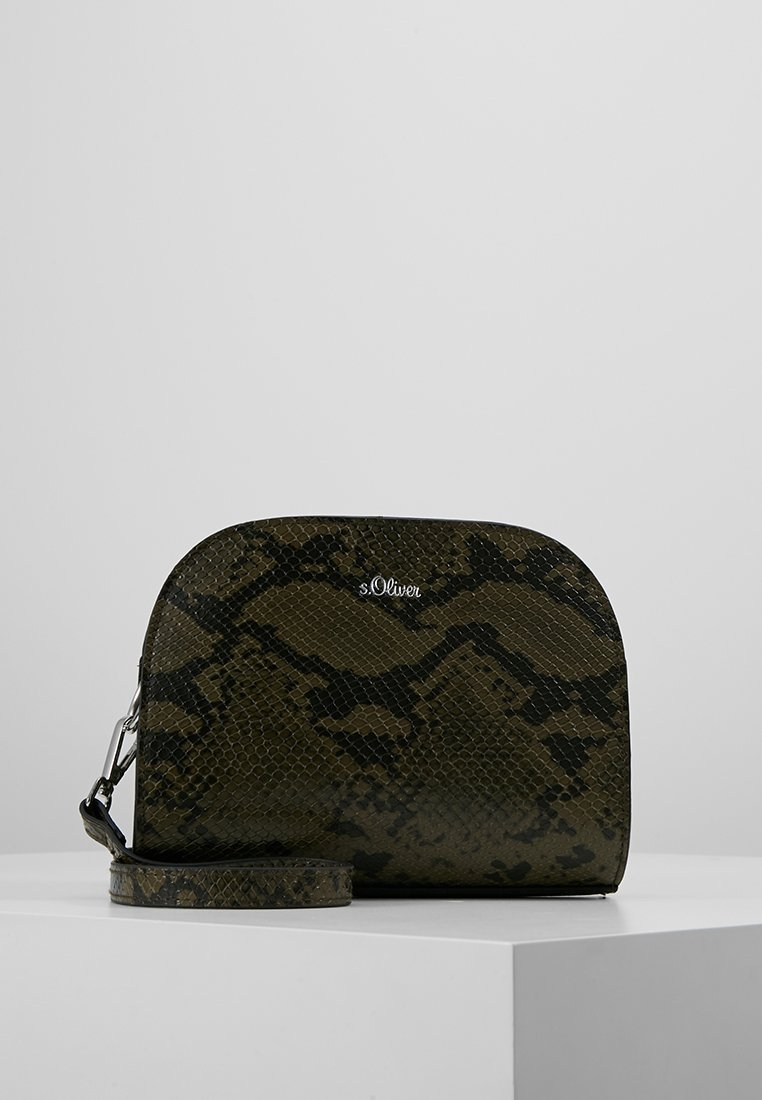 s.Oliver - CITY BAG - Schoudertas - green