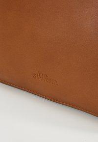 s.Oliver - CITY BAG - Håndveske - brown - 6