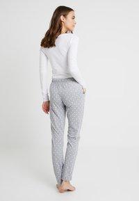 s.Oliver - FASHION DREAMS PANTS - Bas de pyjama - grey/white - 2