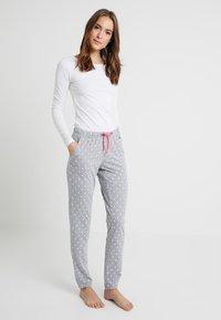 s.Oliver - FASHION DREAMS PANTS - Bas de pyjama - grey/white - 1