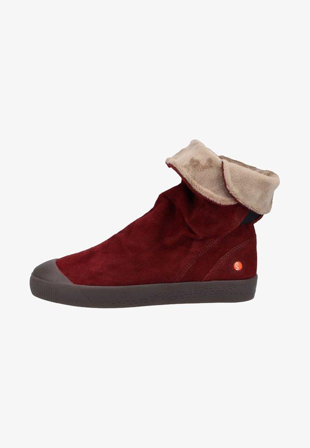 Snowboots  - red
