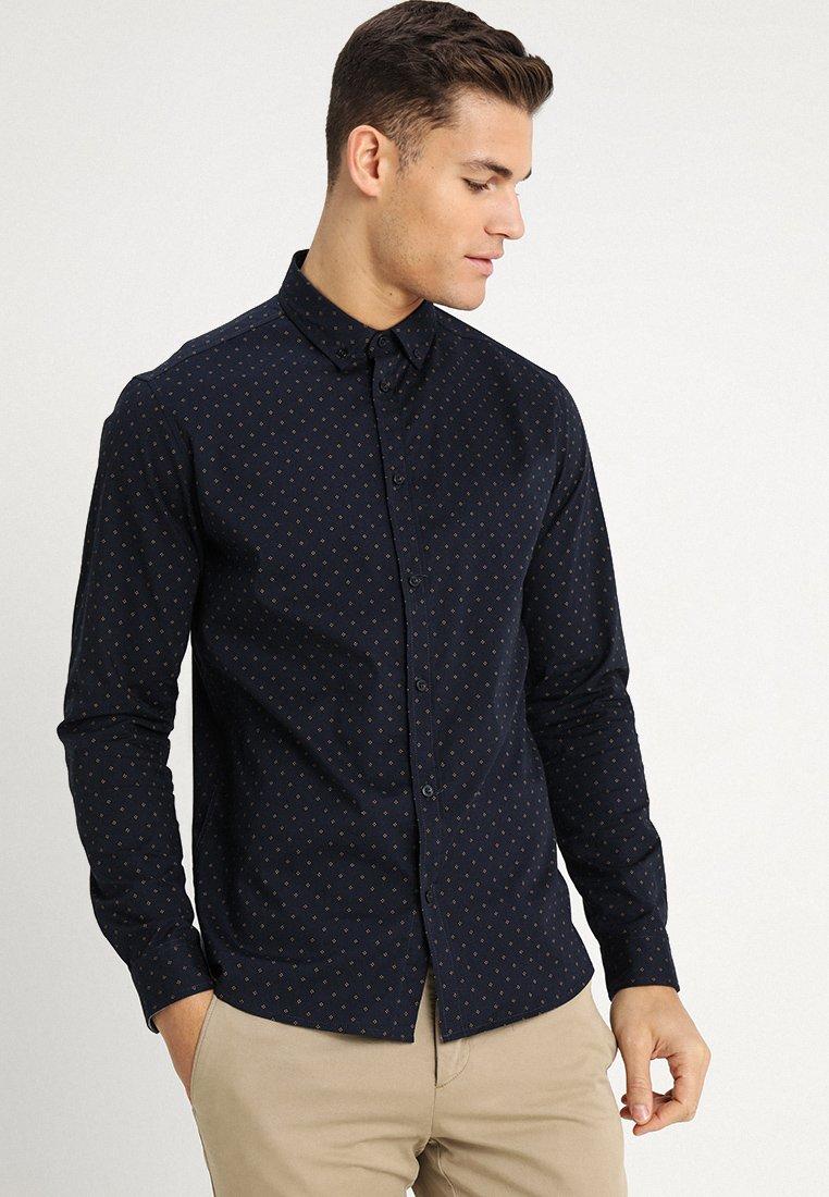Solid - JUAN DOTS - Camisa - insignia b
